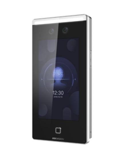 7-palcový dotykový displej, 2-megapixelový širokouhlý objektív